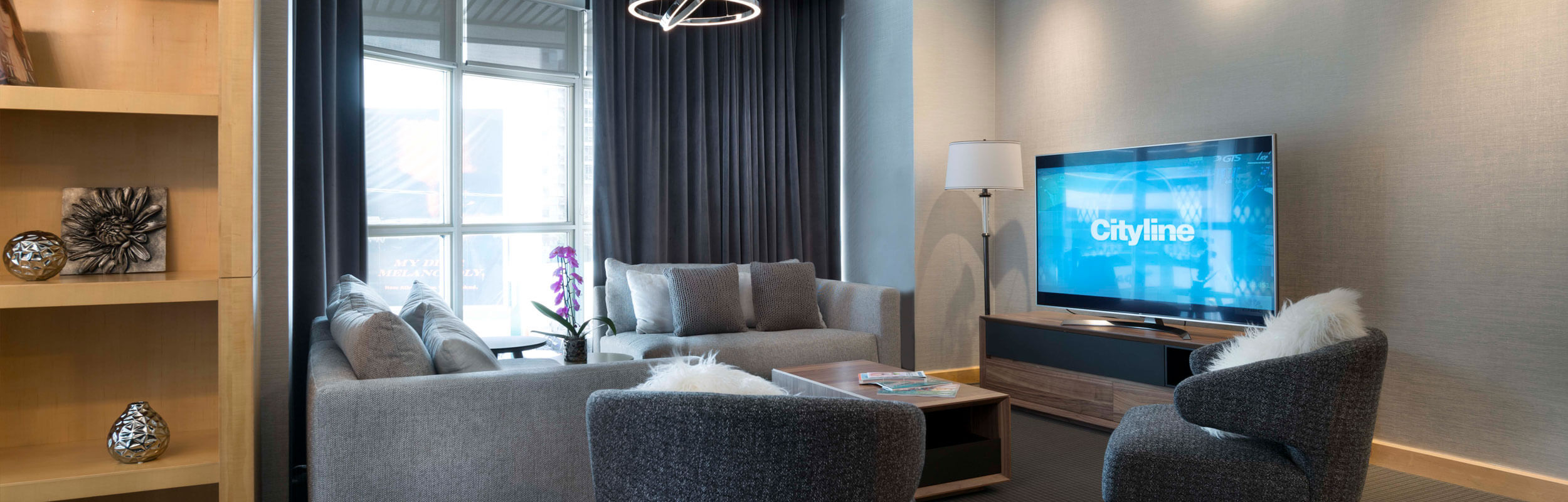 SoHo Hotel - The SoHo suite with separate living area