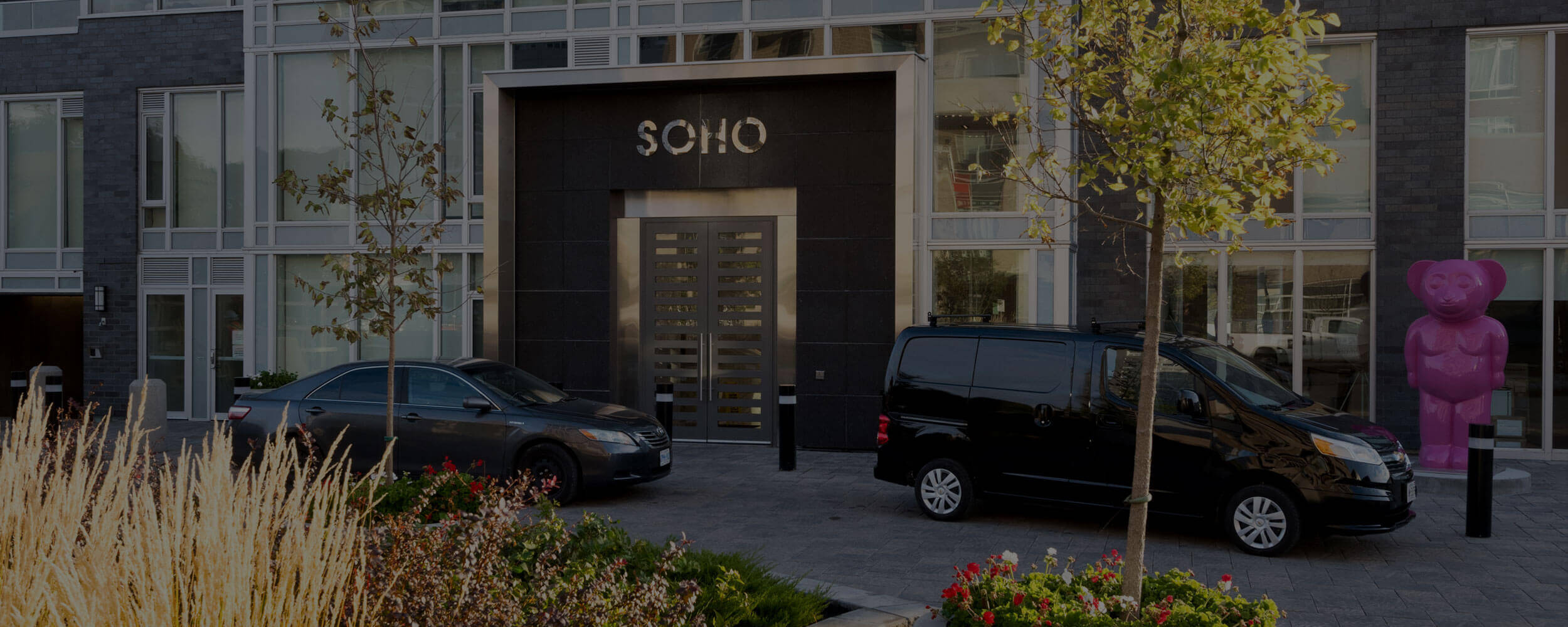 SoHo Champagne Residences in Ottawa front entrance